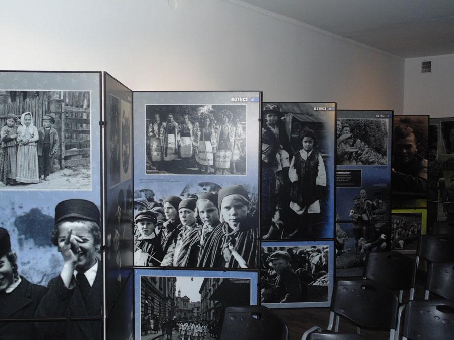 Музей Гросс-Розена в Рогознице проводит выставку «Украденное детство»