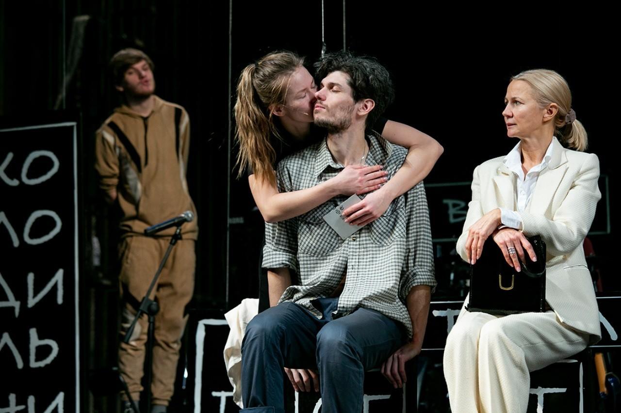 В МТЮЗе премьера спектакля для подростков - «Пять шагов до тебя»