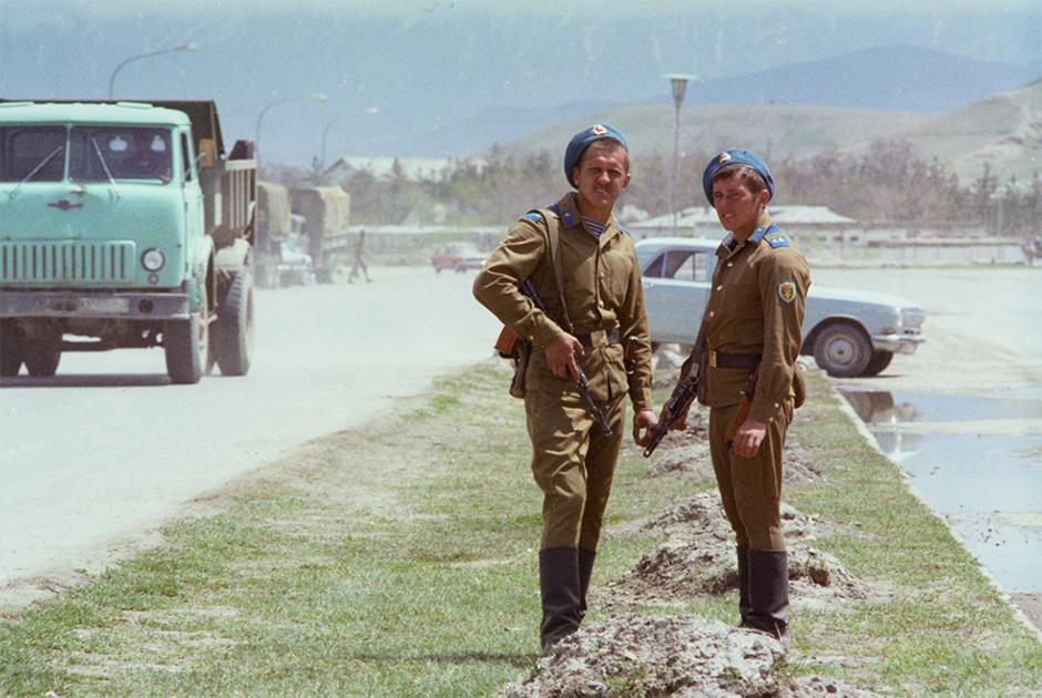 """Афганская война глазами учителя: """"Если он не может нас отбить, то он обязан нас застрелить"""""""