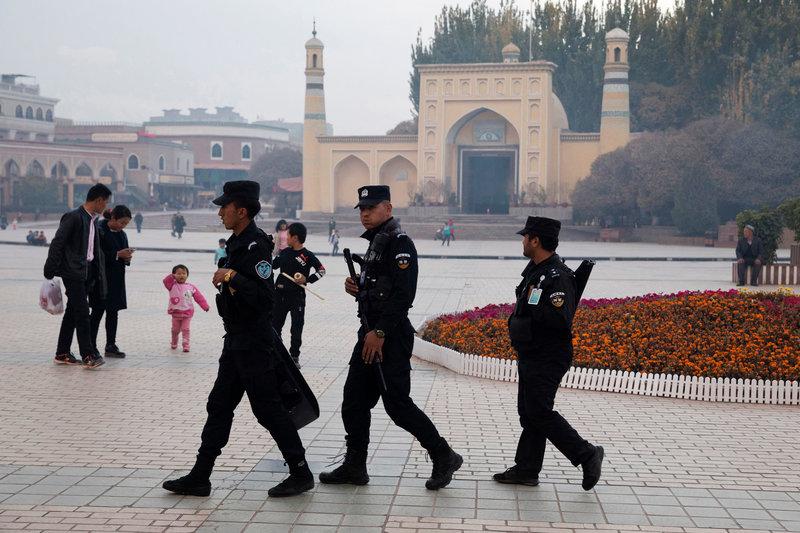 """""""Каждый новый день состоит из пыток"""". Как устроен лагерь для мусульман в Китае"""